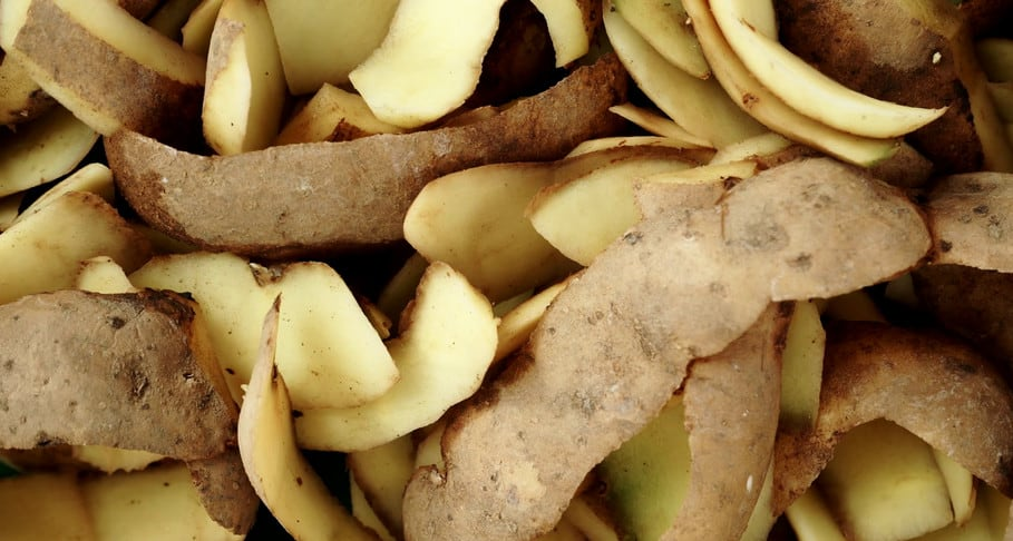 dissolve potato peels in clogged sink