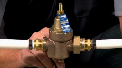 installing a water pressure regulator