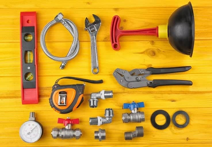 essential plumbing tools for liverpool residents